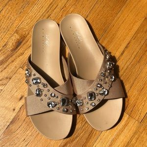 Lord & Taylor Gemstone Sandals Size 9